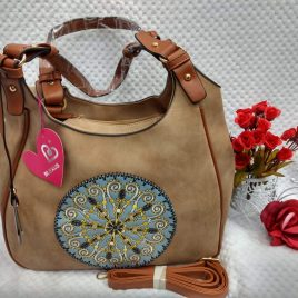 Cartera bordada con mandala